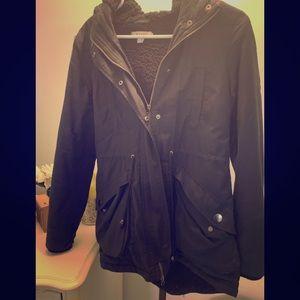 Black trendy coat!